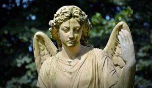 Anjeli veštia budúcnosť